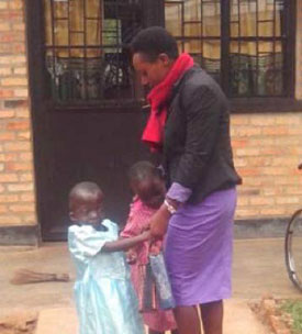 Adrienne, TFT psychologist at IZERE with children